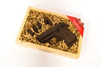 Комплект Шоколадови Изделия Пистолет с Куршуми